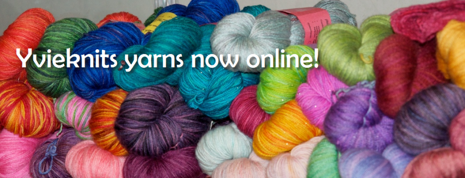 Yvieknits is live!
